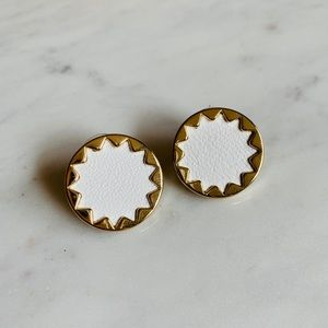House of Harlow Sunburst Studs in Sting Ray